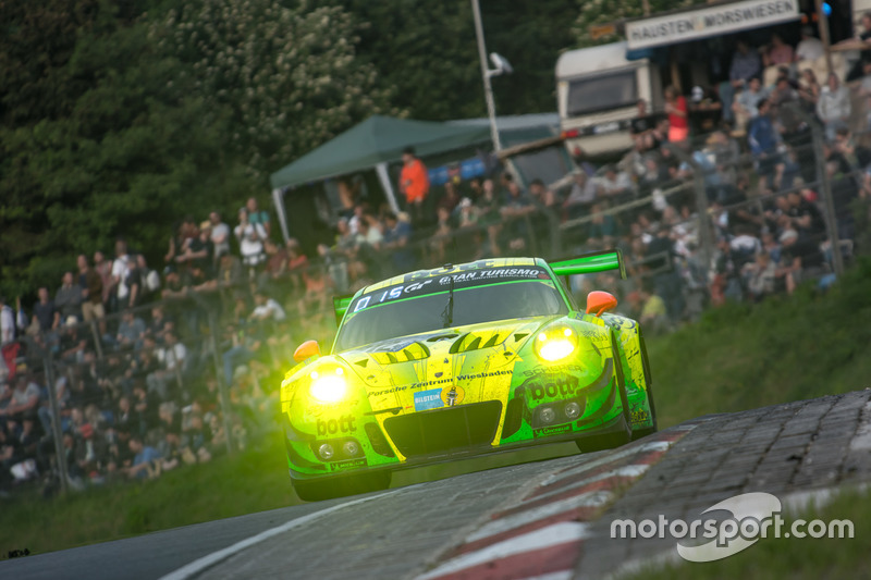 #912 Manthey Racing Porsche 911 GT3 R: Richard Lietz, Patrick Pilet, Frédéric Makowiecki, Nick Tandy
