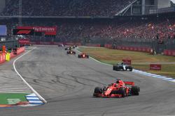 Sebastian Vettel, Ferrari SF71H leads