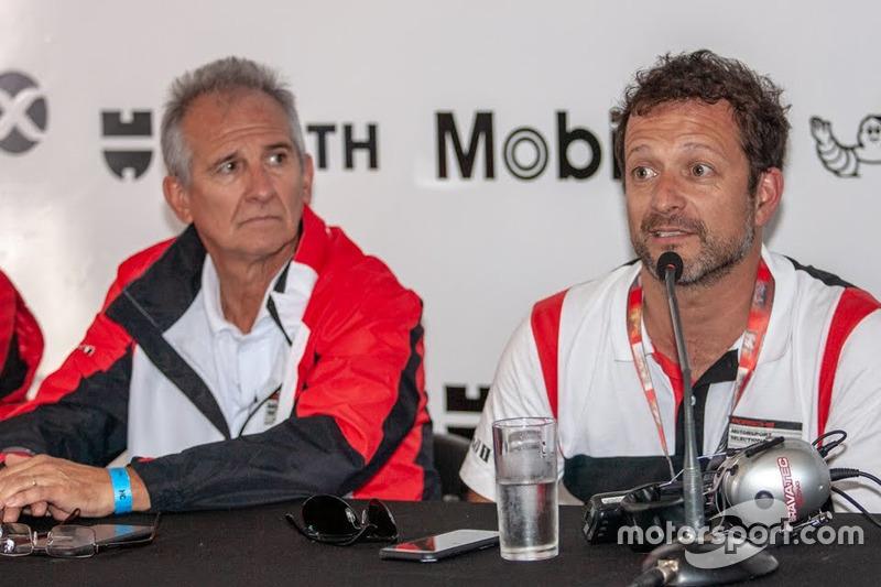 Enrique Mansilla (izq.), presidente de la Porsche GT3 Cup Trophy Argentina, y Juan Manuel Castelli, CEO de la categoría