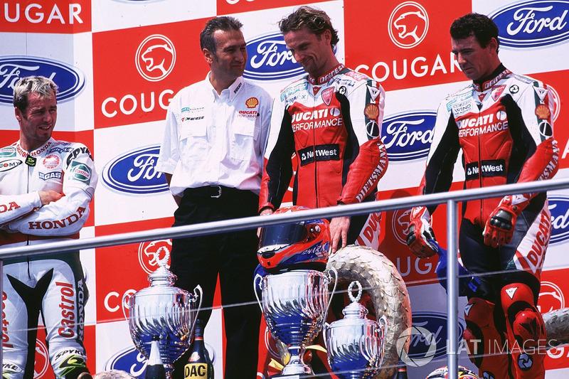 Podium: race winner Carl Fogarty, Ducati
