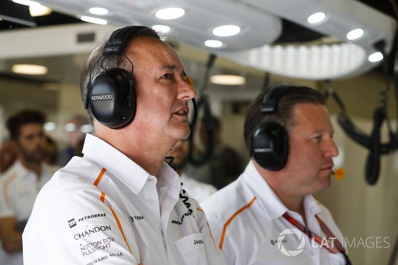 Jonathan Neale, director ejecutivo de McLaren, y Zak Brown, director ejecutivo del McLaren Technology Group