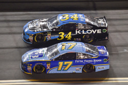 Ricky Stenhouse Jr., Roush Fenway Racing, Ford Fusion Fifth Third Bank, Michael McDowell, Front Row Motorsports, Ford Fusion K-LOVE RADIO