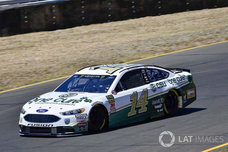 19. Clint Bowyer, Stewart-Haas Racing, Chevrolet Camaro One Cure