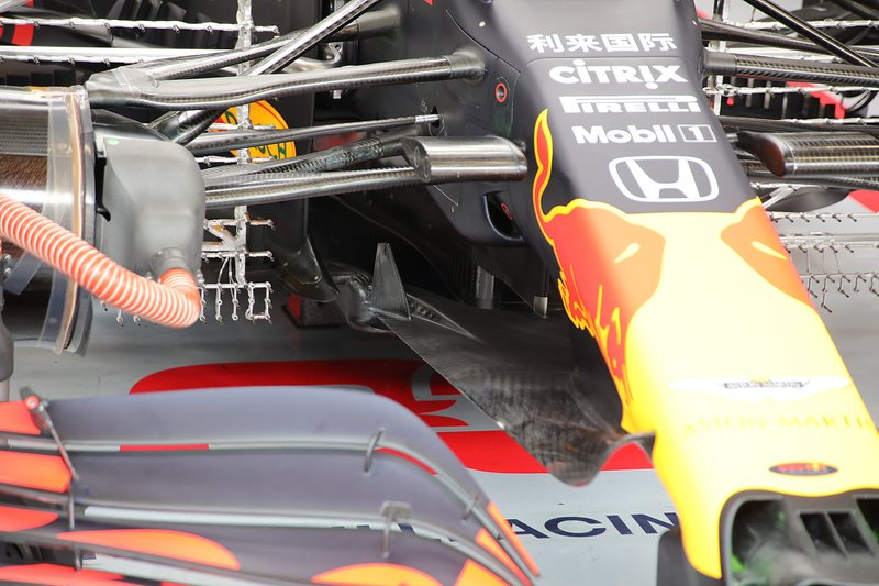 Red Bull Racing RB16 front wing and front suspension