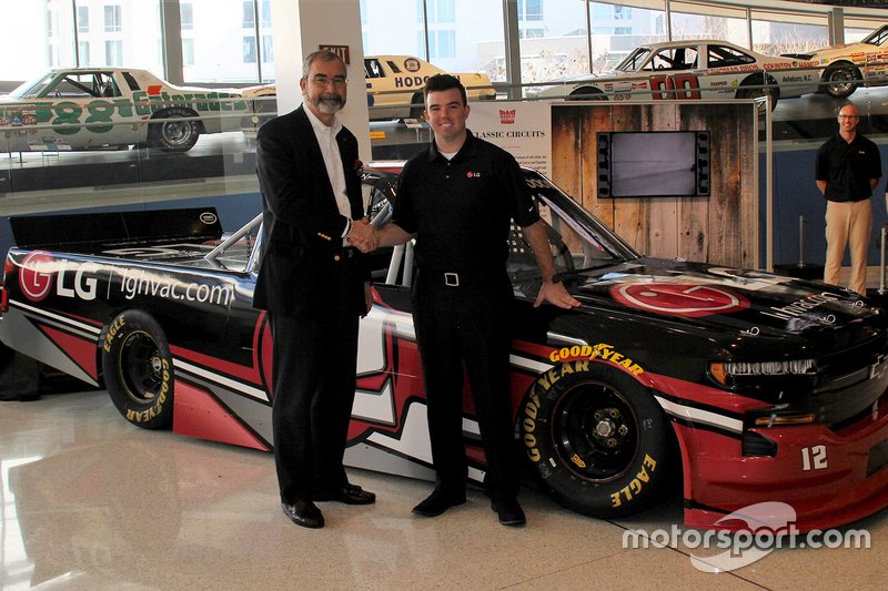 Gus Dean LG-sponsored NASCAR Truck