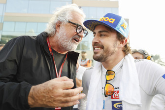 Fernando Alonso, McLaren, with Flavio Briatore on the grid