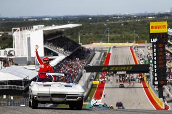 Kimi Raikkonen, Ferrari, nella drivers parade