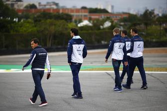 Sergey Sirotkin, Williams Racing, ispeziona il circuito