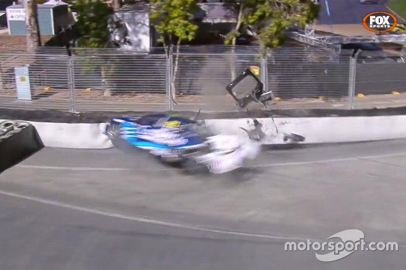 Аварія Маколі Джонса, Brad Jones Racing