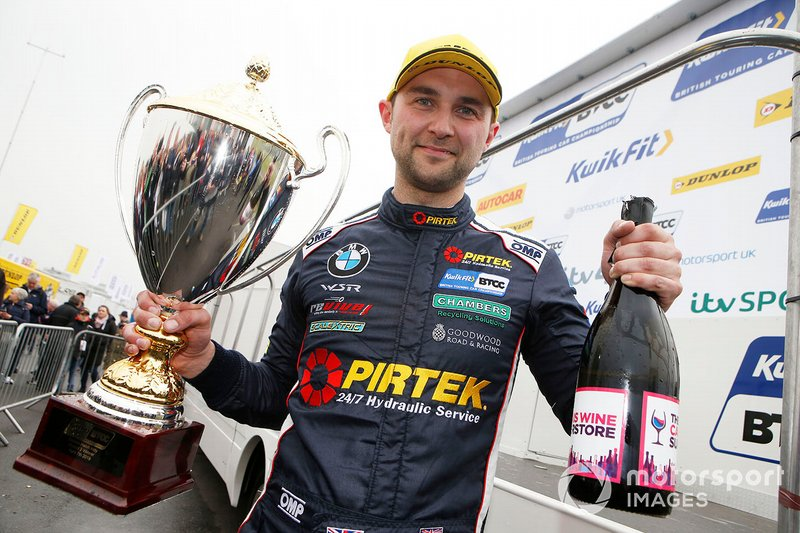 Podium race 2: winner Andrew Jordan, WSR BMW