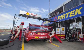 Scott McLaughlin, Alexandre Prémat, DJR Team Penske Ford, pitstop