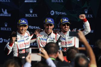 Ganadores #8 Toyota Gazoo Racing Toyota TS050: Sebastien Buemi, Kazuki Nakajima, Fernando Alonso
