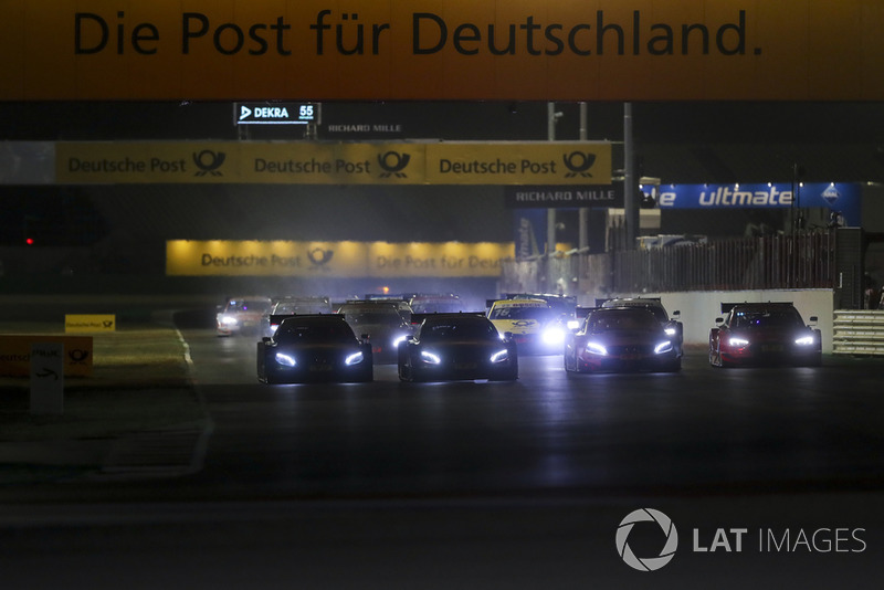 Paul Di Resta, Mercedes-AMG Team HWA, Mercedes-AMG C63 DTM leads the start of the race