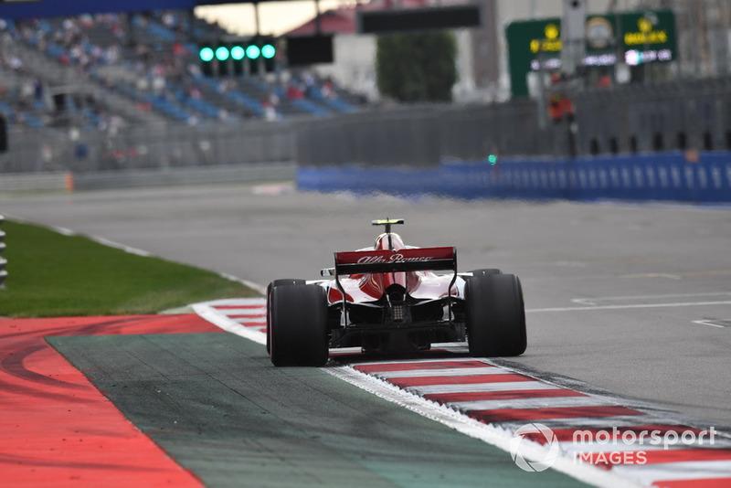 А в Sauber хвалят Леклера за очередную отличную гонку