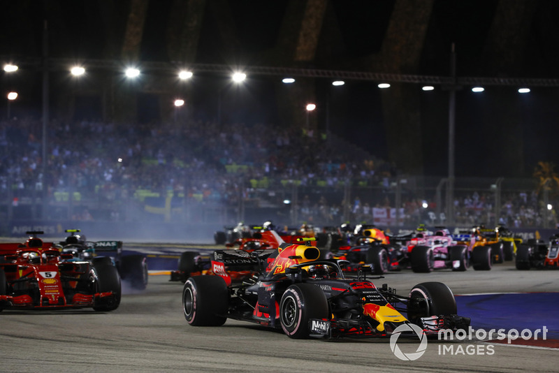 Max Verstappen, Red Bull Racing RB14, Sebastian Vettel, Ferrari SF71H, Valtteri Bottas, Mercedes AMG F1 W09 EQ Power+