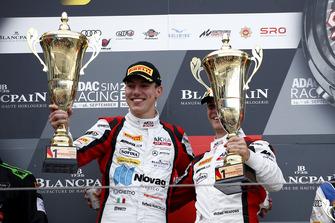 Podio: ganadores #88 Akka ASP Team Mercedes-AMG GT3: Raffaele Marciello, Michael Meadows