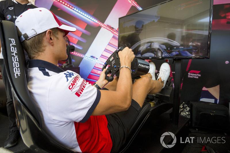 Marcus Ericsson, Sauber on the simulator