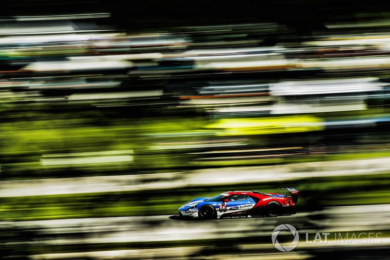 1. #66 Chip Ganassi Racing Ford GT: Dirk Müller, Joey Hand
