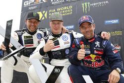 Winner Johan Kristoffersson, PSRX Volkswagen Sweden, le deuxième Petter Solberg, PSRX Volkswagen Sweden, VW Polo GTi, le troisième Sébastien Loeb, Team Peugeot Hansen, Peugeot 208 WRX