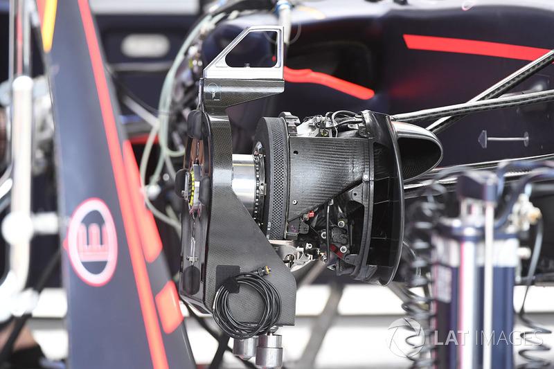 Detalle del eje y del freno delantero del Red Bull Racing RB13