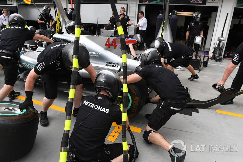 Mercedes AMG F1 W08, тренування піт-стопів
