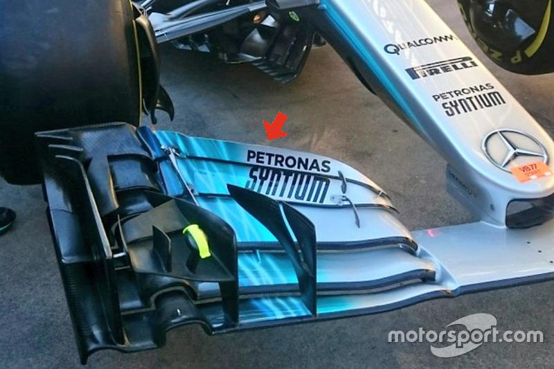 Переднее крыло Mercedes W08