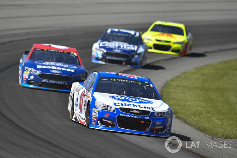 A.J. Allmendinger, JTG Daugherty Racing Chevrolet, Trevor Bayne, Roush Fenway Racing Ford