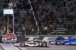 Will Power, Team Penske Chevrolet, s'impose