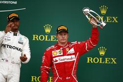 Podyum: Yarış galibi Lewis Hamilton, Mercedes AMG F1 ve 3. Kimi Raikkonen, Ferrari