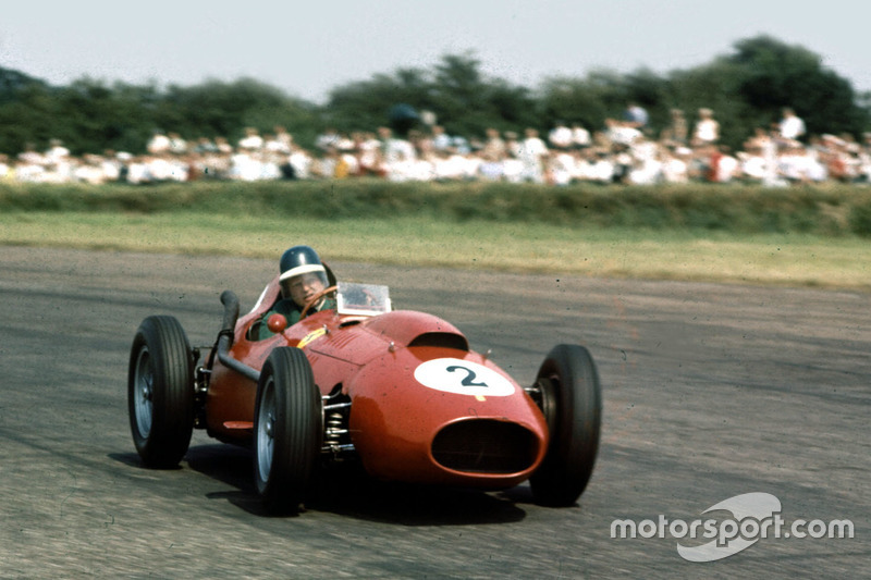 Mike Hawthorn (2 victorias)