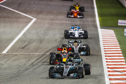 Valtteri Bottas, Mercedes F1 W08, Daniel Ricciardo, Red Bull Racing RB13, Lewis Hamilton, Mercedes F1 W08, Felipe Massa, Williams FW40