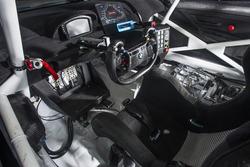 Cockpit BMW M6 GT3, BMW Team Schnitzer