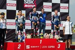 Podium: ganador, Federico Caricasulo, GRT Yamaha Official WorldSSP Team, segundo, Decha Kraisart, Ya