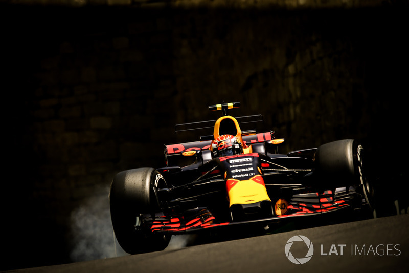 Max Verstappen, Red Bull Racing RB13 bloque los frenos