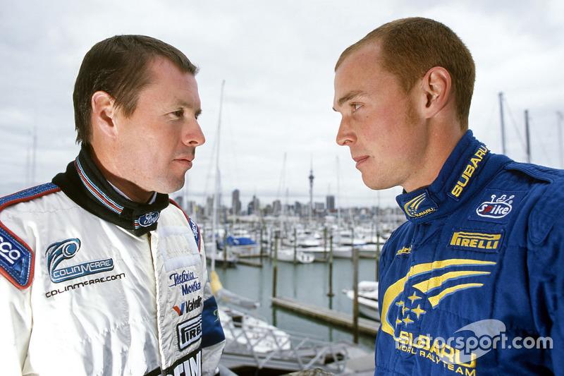 "<img class=""ms-flag-img ms-flag-img_s1"" title=""United Kingdom"" src=""https://cdn-9.motorsport.com/static/img/cf/gb-3.svg"" alt=""United Kingdom"" width=""32"" /> Colin McRae (à gauche, avec Richard Burns), Champion du monde WRC 1995"