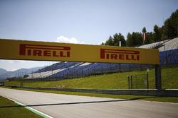 Werbetafel von Pirelli