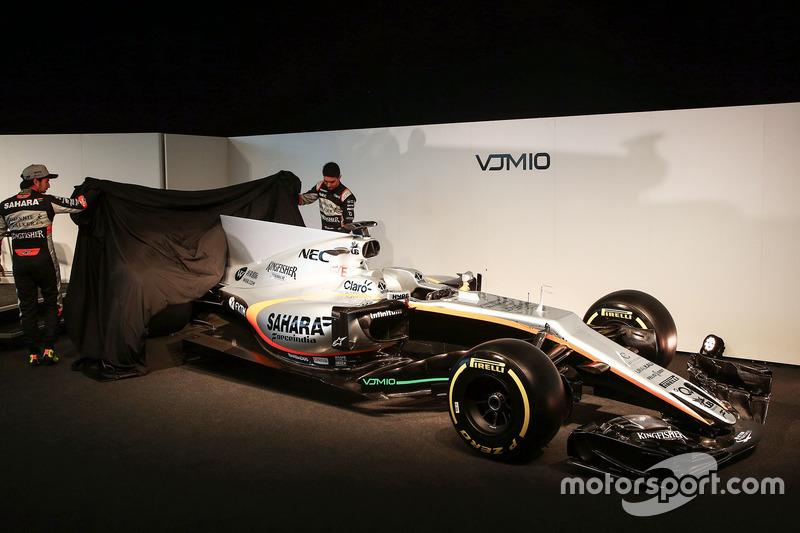 Sergio Perez und Esteban Econ enthüllen den Force India VJM10