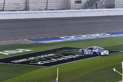 Ricky Stenhouse Jr., Roush Fenway Racing Ford, crash