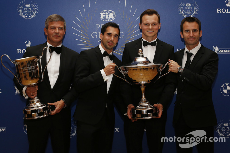 Porsche Team Campeones delWEC Neel Jani, Marc Lieb, Romain Dumas