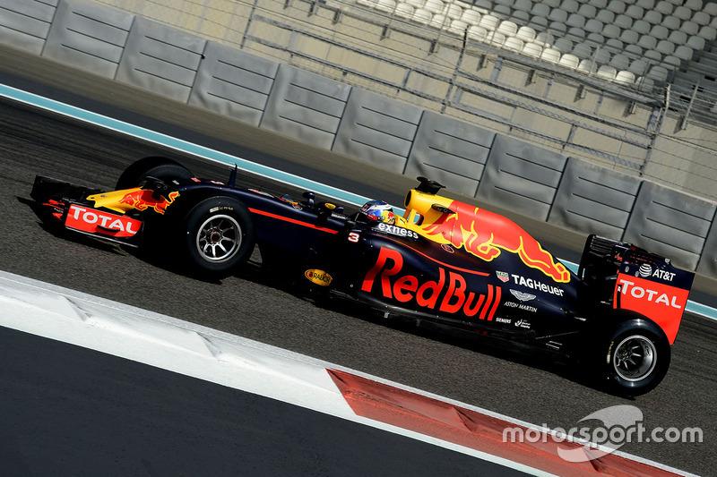 Daniel Ricciardo, Red Bull Racing con las nuevas Pirelli 2017