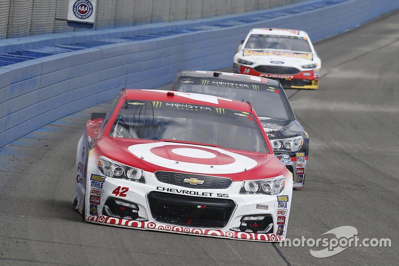 Kyle Larson, Chip Ganassi Racing, Chevrolet; Jeffrey Earnhardt, Circle Sport - The Motorsports Group