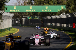 Nico Hulkenberg, Renault Sport F1 Team RS17, leads Esteban Ocon, Force India VJM10, and Lance Stroll, Williams FW40