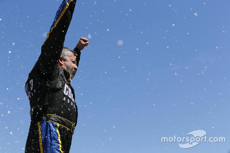 Yarış galibi Tony Stewart, Stewart-Haas Racing