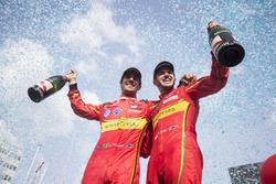 Второе место - Даниэль Абт, ABT Schaeffler Audi Sport и третье место - Лукас ди Грасси, ABT Schaeffl
