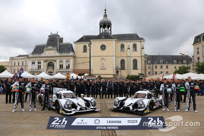 #31 Extreme Speed Motorsports Ligier JS P2 Nissan: Райан Далзіл, Кріс Каммінг, Піпо Дерані і #30 Extreme Speed Motorsports Ligier JS P2 Nissan: Скотт Шарп, Ед Браун, Йоханнес ван Овербек
