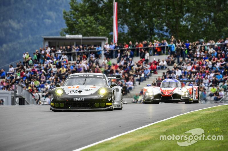 #77 Proton Competition Porsche 911 RSR 991: Marc Hedlund, Marco Seefried, Wolf Henzler