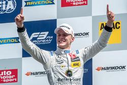 Подиум, Максимилиан Гюнтер, Prema Powerteam Dallara F312 - Mercedes-Benz