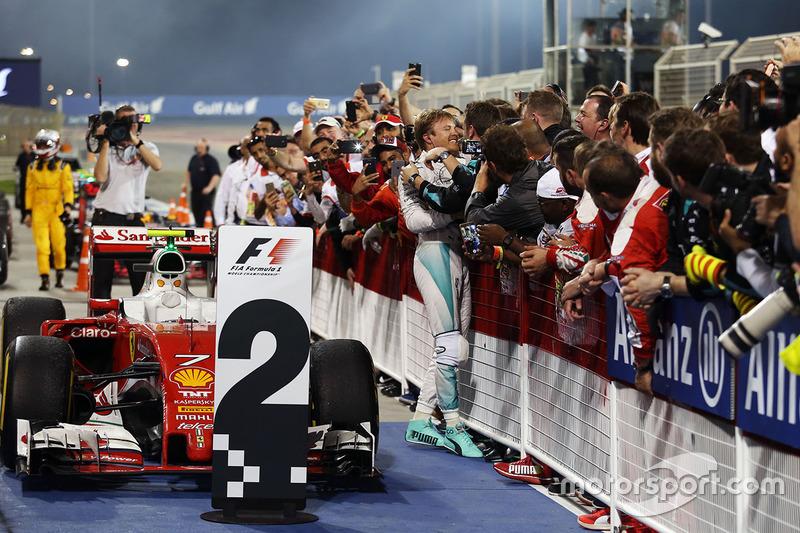 Race winner Nico Rosberg, Mercedes AMG F1 Team celebrates in parc ferme
