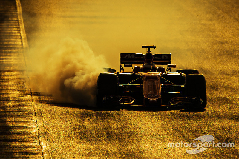 Stoffel Vandoorne, McLaren MCL32 bloque une roue au freinage