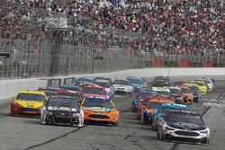 Start: Kevin Harvick, Stewart-Haas Racing, Ford; Ryan Newman, Richard Childress Racing, Chevrolet